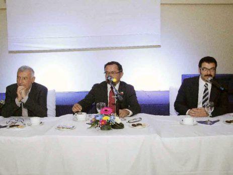 Con gran convocatoria se realizó la primera jornada de Diálogos Regionales en Quillota (El Observador – 17/04/2028)