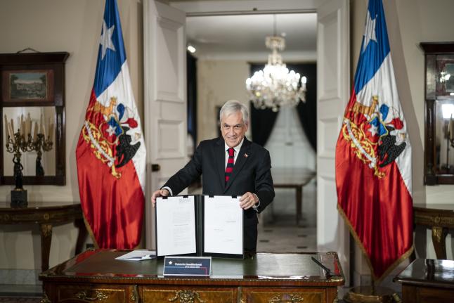 Presidente promulga calendario electoral para el plebiscito tras aprobación de la Cámara de Diputados y el Senado