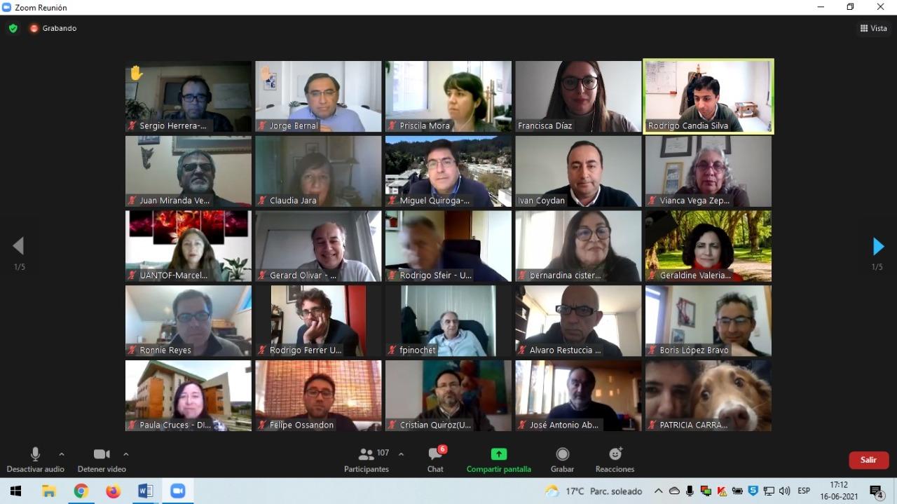 Subdere y la Agrupación de Universidades Regionales realizaron taller sobre descentralización
